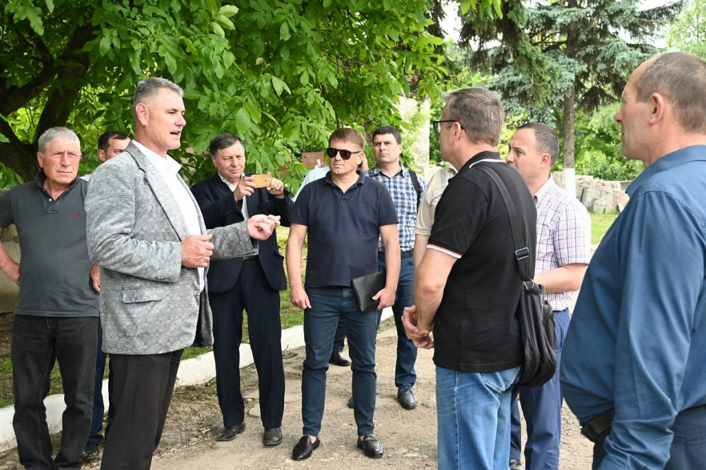 """Partner-LPAs of the project """"MĂ IMPLIC"""" learned about good practices in the field of communal waste collection"""